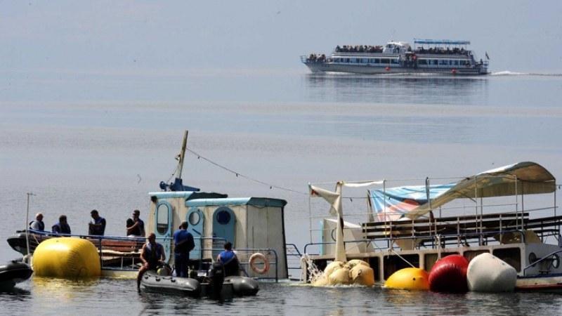 10 г. по късно, село Антон: Тягостно, тихо… Трагедията в Охрид отнела 15 съдби, отнела мечти