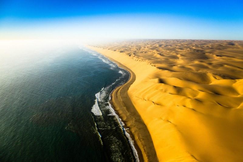 Красота! Там където пустинята среща океана  СНИМКИ