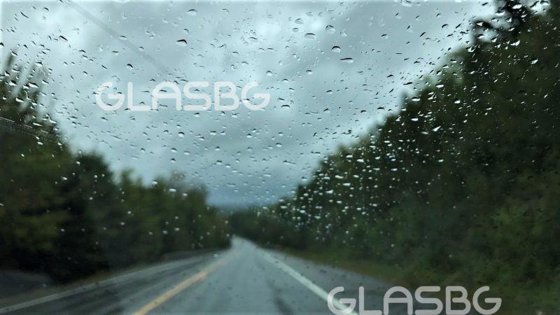 Българи в урагана Дориан пред Glas: За 10 минути едва не ни отвя и почти успя да ни удави!