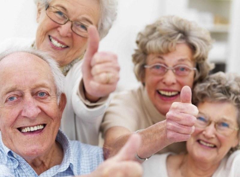 Ликуйте, пенсионери! Вдигат пенсиите най-малко с 6% от догодина!
