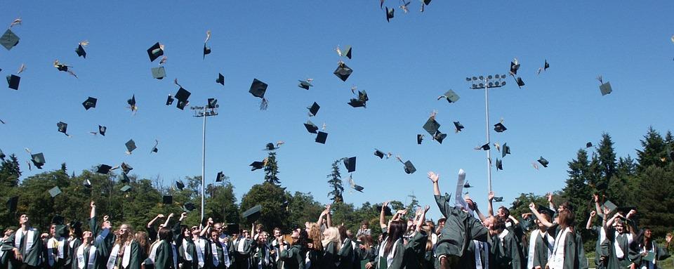 Стъпка напред? Великобритания реши - студентите с диплома остават 4 г. в страната!