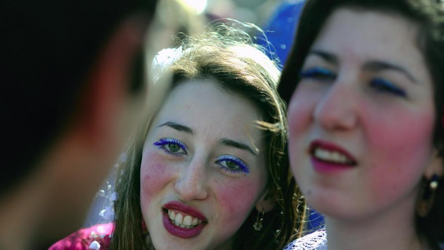 Калайджийско кандардисване: €10 хил. давам, да е бяла, добра и да е мома!