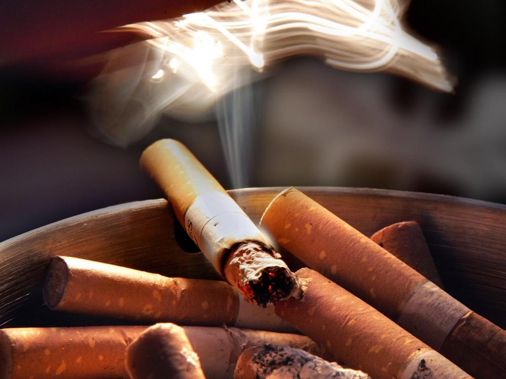 Плъзнаха проверки за пушачи: 3 бона глоба за собственик на кръчма!
