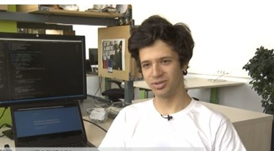 Той е само на 18, а има изключителни научни постижения! Звездин от България!