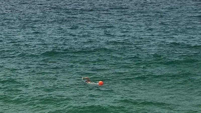 Мъж не го е постигал! Оперирана от рак жена преплува четири последователни пъти Ламанша!