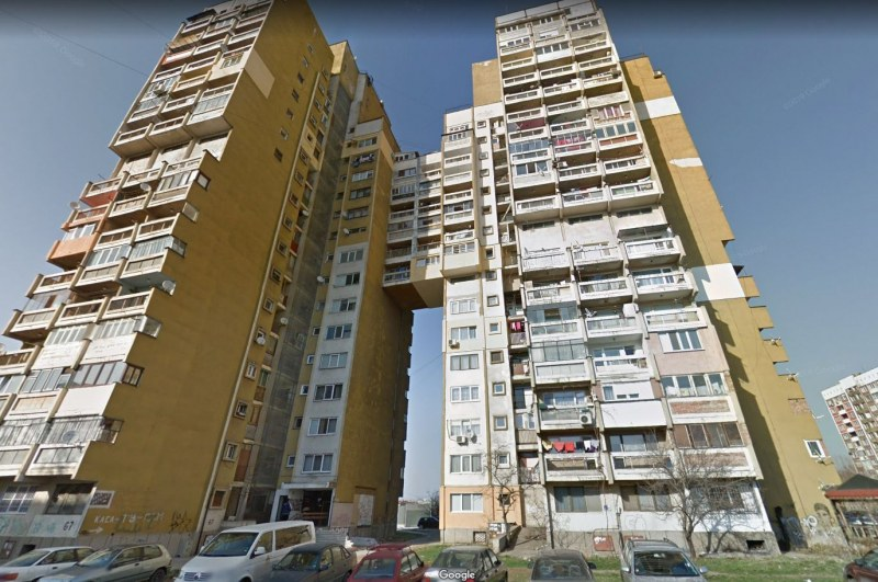 Само ден след първия учебен ден: Ученик полетя фатално от 14-ия етаж на блок в София
