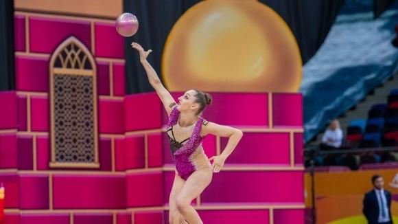 Съдийски тесли на Световното в Баку! Калейн с две пети места на обръч и на топка