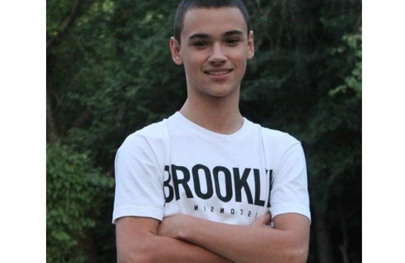 Прекрасно 19-годишно момче е в кома. Да помогнем на Кольо да отвори очи!