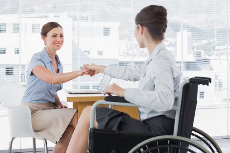 Работодатели назначават все повече инвалиди! Вече са 2 пъти повече от 2018 г