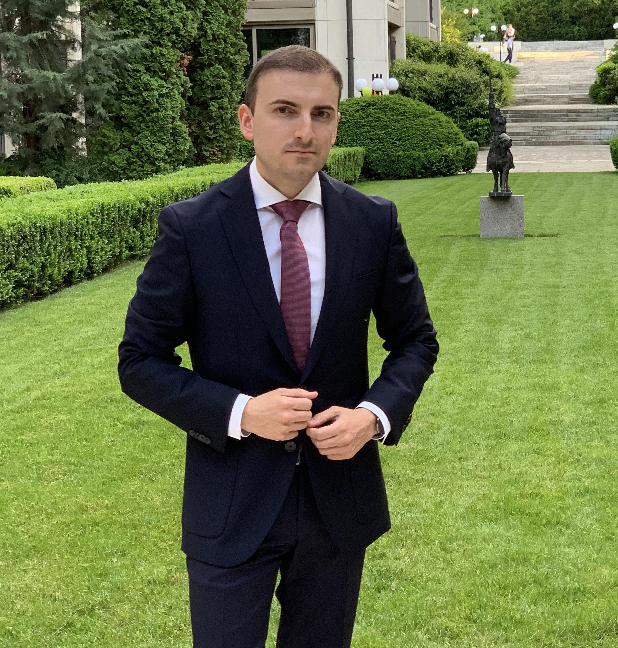 Густо ми е, Велков влиза в кметската битка за пловдивския