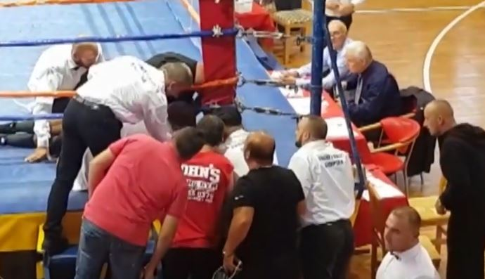 Трагедия! Български боксьор загина на ринга ВИДЕО 18+