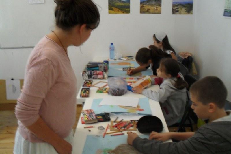 Финансова подкрепа за творците в образованието по изкуствата и по културата