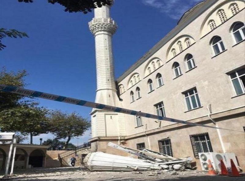 Двама загинали и 43-ма ранени след силния трус, поразил Истанбул