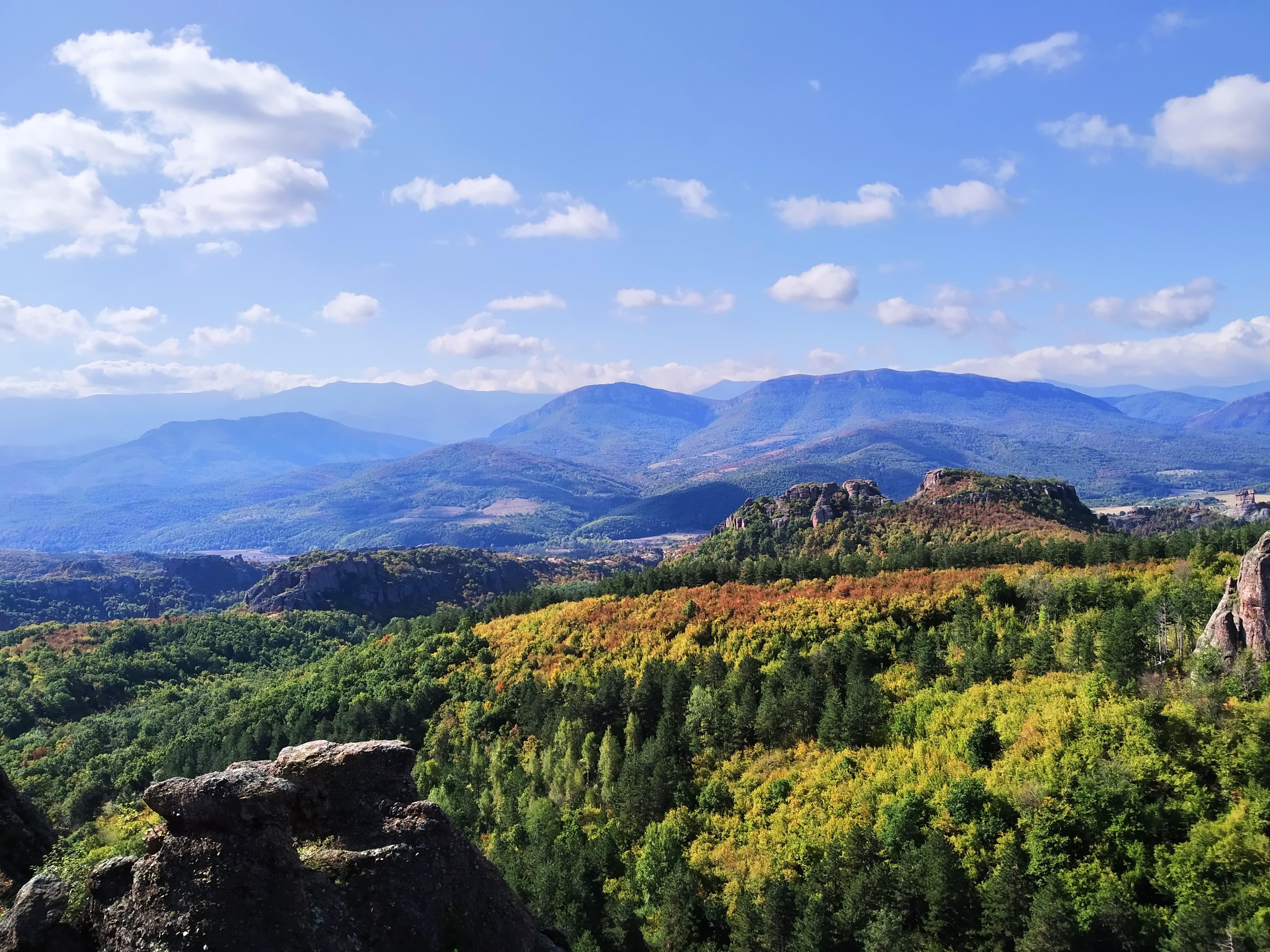 Идея за уикенд: Величието на Белоградчишките скали и многовековната крепост СНИМКИ
