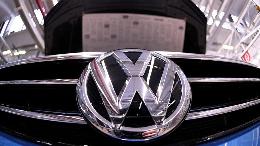 Евродепутати остро критикуват решението на VW за Турция!
