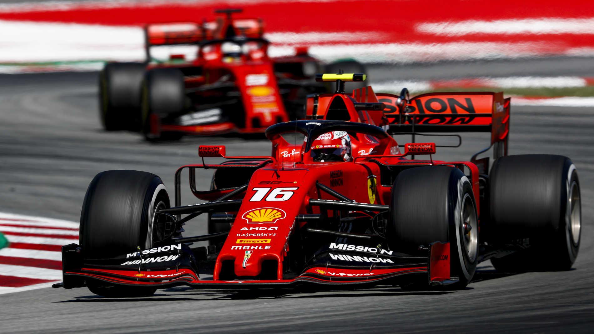 Война във Ferrari!