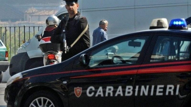 Арестанти застреляха двама полицаи в участък в Италия, трима са ранени