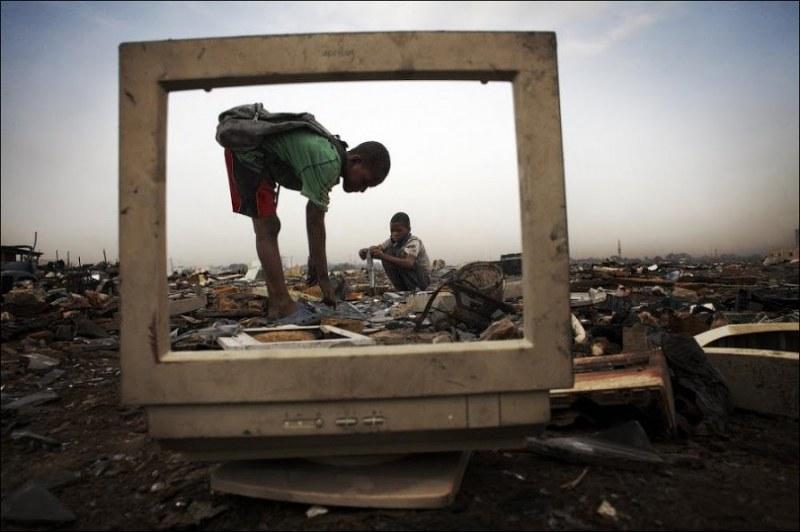 Хипер консумация: Агбогблоши – бунище за дигитален боклук
