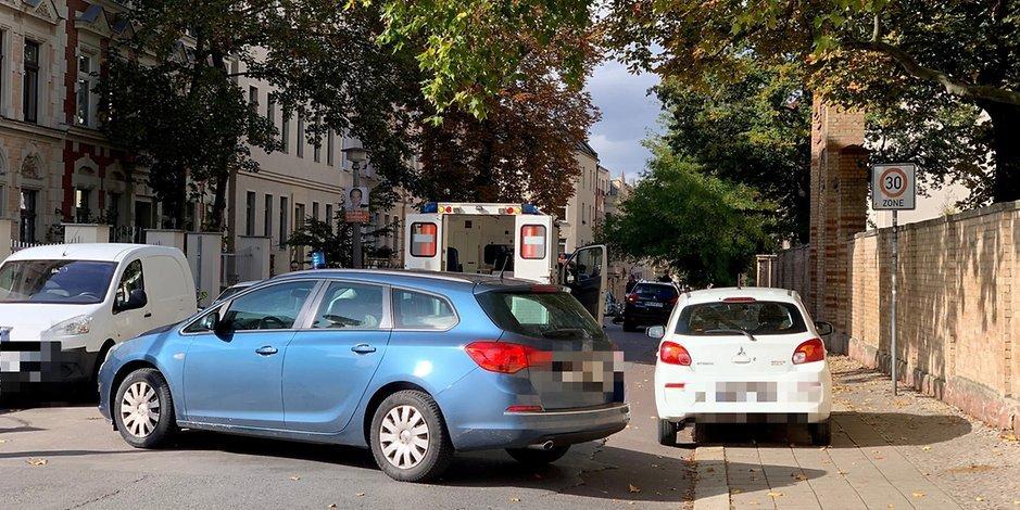 Стрелба с автомат и хвърлена граната до синегога в Германия, има жертви СНИМКИ 18+