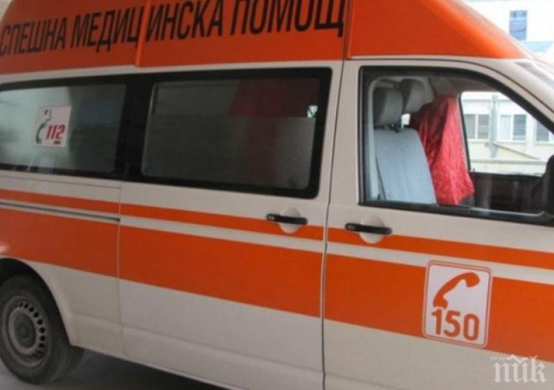 Пак смърт на пътя: Един загинал и двама ранени след ПТП край Сливен