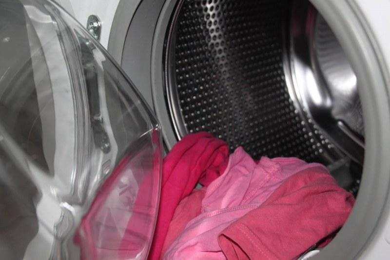 Какво се случва, ако добавите аспирин към прането?