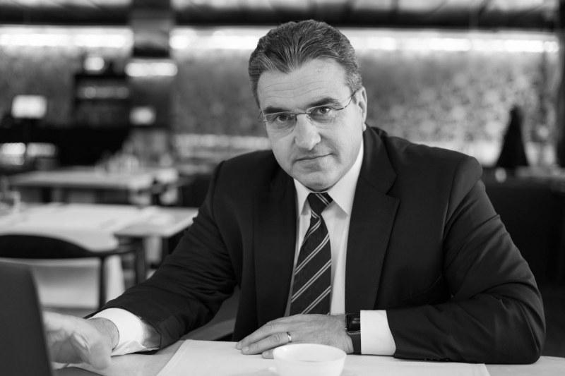 Лъжа е… Урумов от МО не всявал паника сред ромите: Чакам извинение!