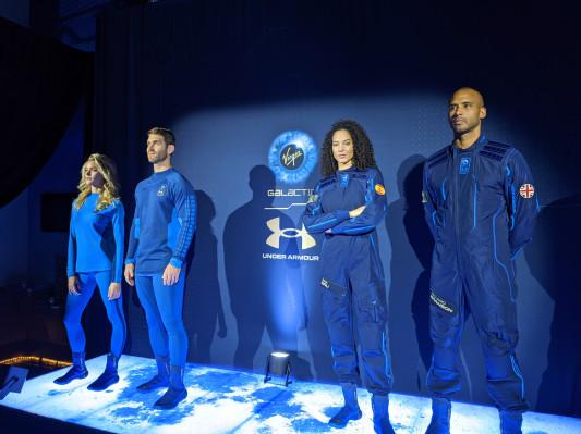 Извън орбита със стил: Представиха костюмите на космическите туристи СНИМКИ