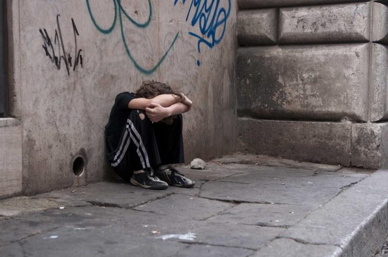 Солун залят от българчета… Просят, продават дрога, проституират!