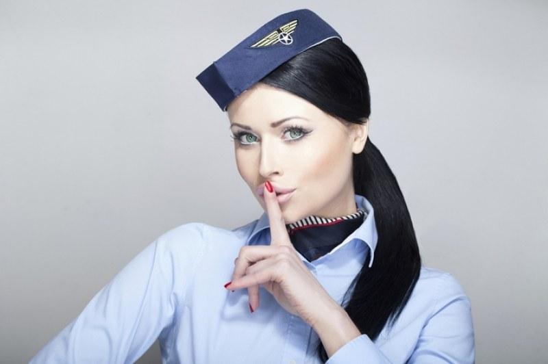 Бъбрива стюардеса разкри: Как пътници правят секс по време на полети?