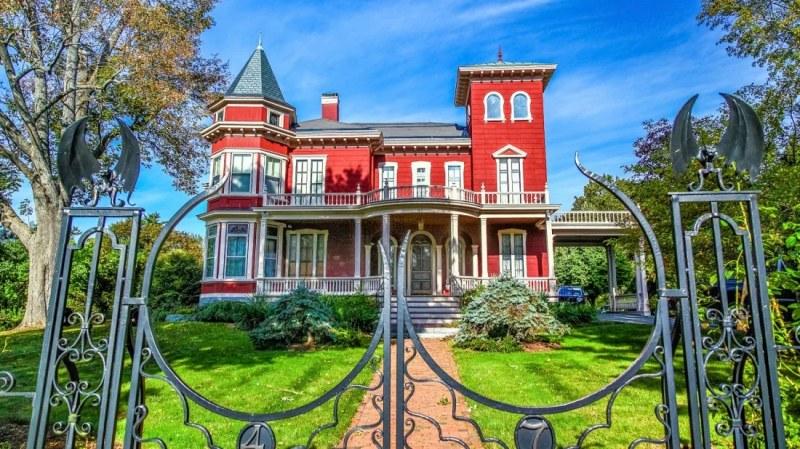 Къща на ужасите! Стивън Кинг превръща дома си в музей