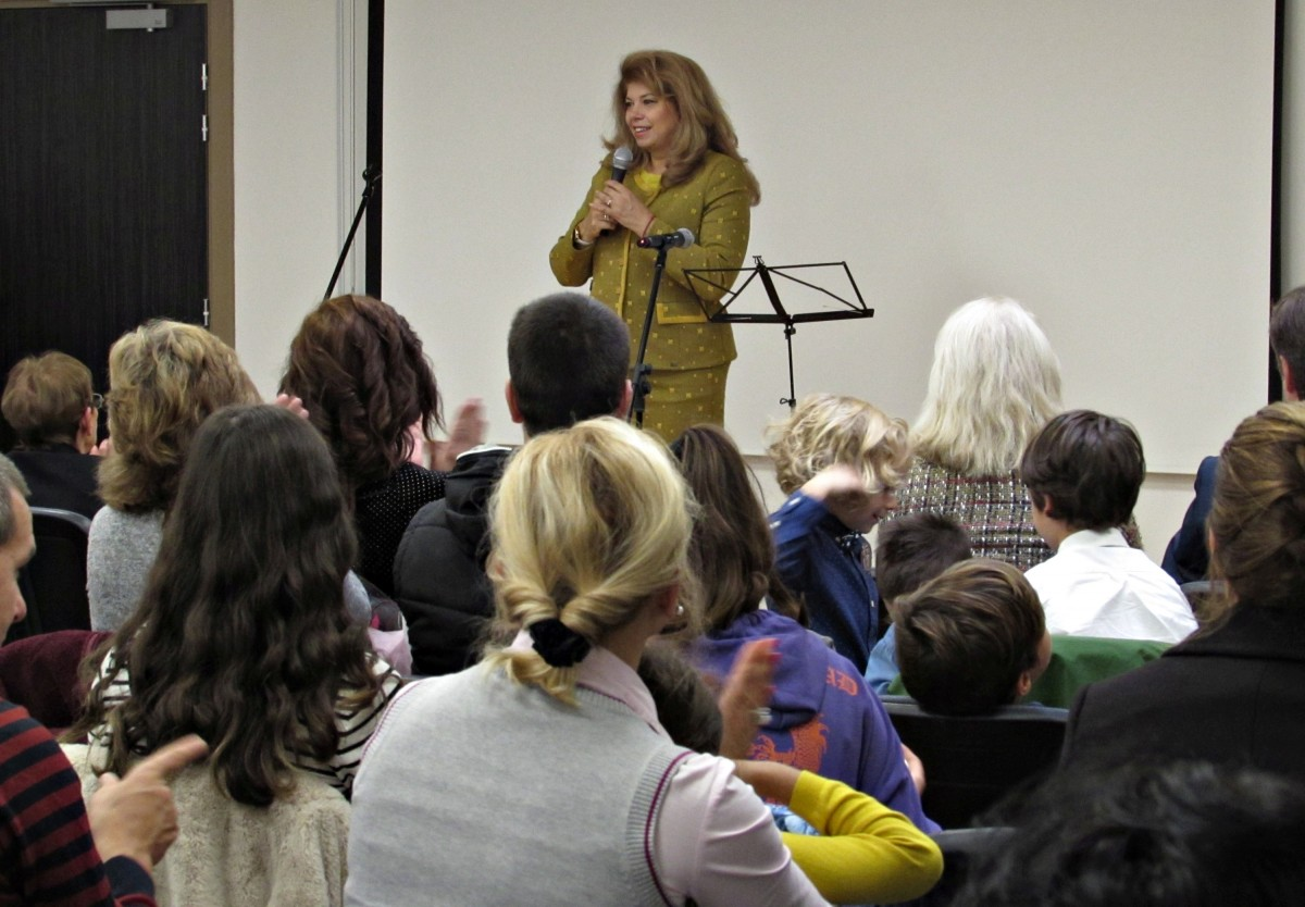 Йотова: Най-успешната политика с българите зад граница е развитието на неделните училища