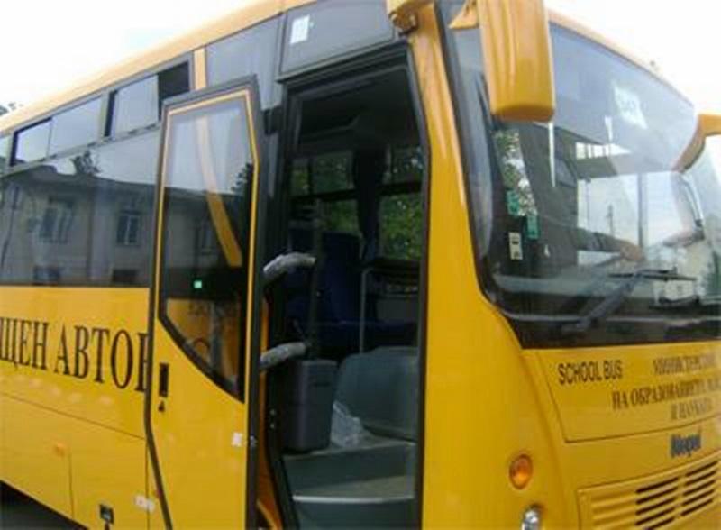 Задържаха шофьор на автобус пиян, тръгвал на екскурзия с ученици от Божурище