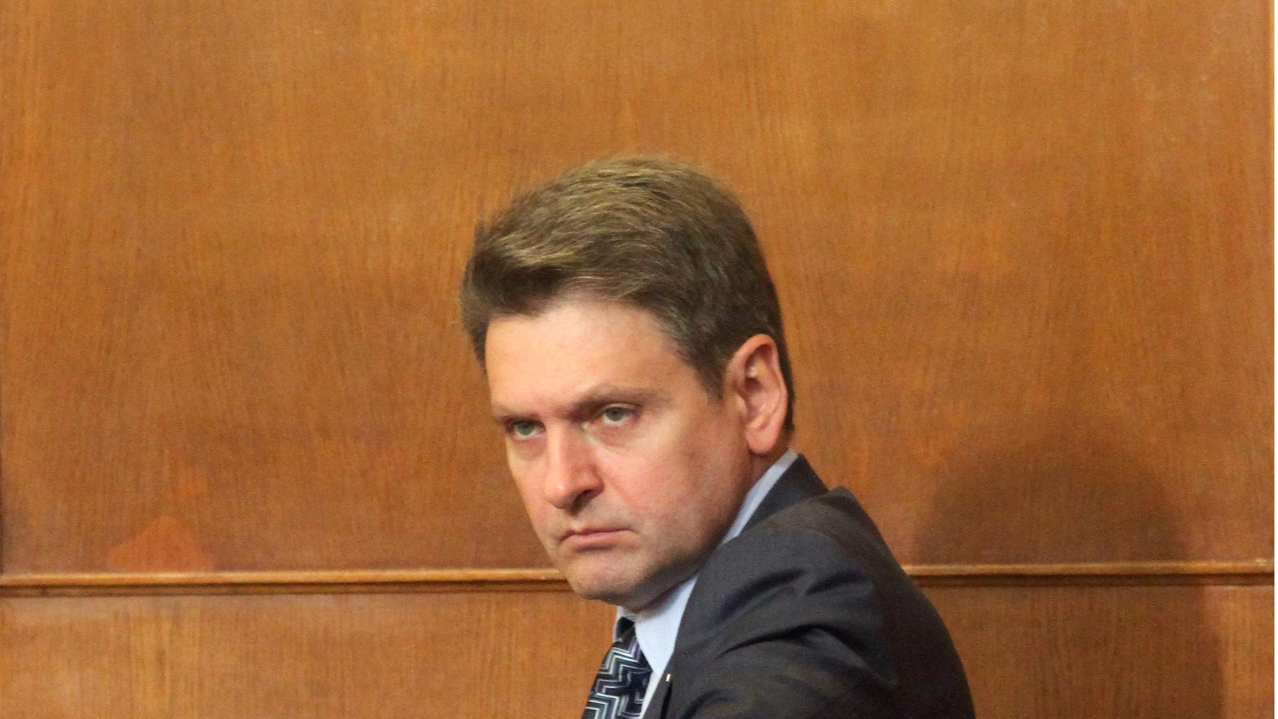 Цацаров се чуди къде е русофил №1, а той в Кремъл – с орден от Путин
