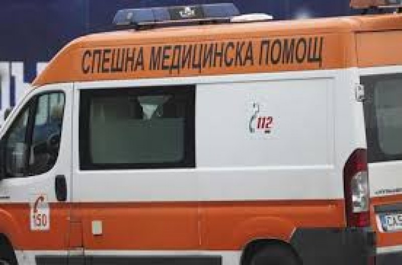 Автобус блъсна 71-годишна в Сливен. Жената е в болница, в кома!