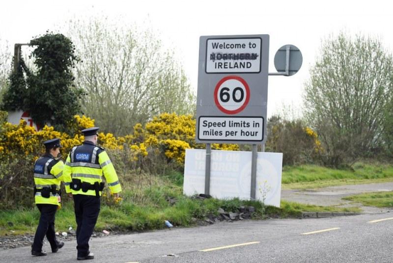 Акция в Ирландия след труповете в камиона! Иззеха коли с BG номера