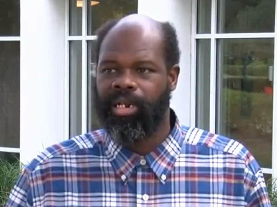 Чернокож американец – 17 г. роб в ресторант! Биели го, горили го...