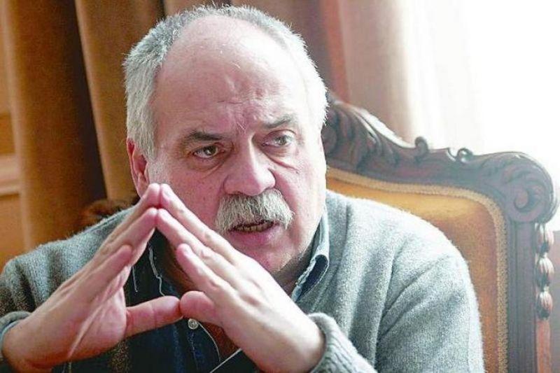 Почина дългогодишният директор на Народния театър Павел Васев