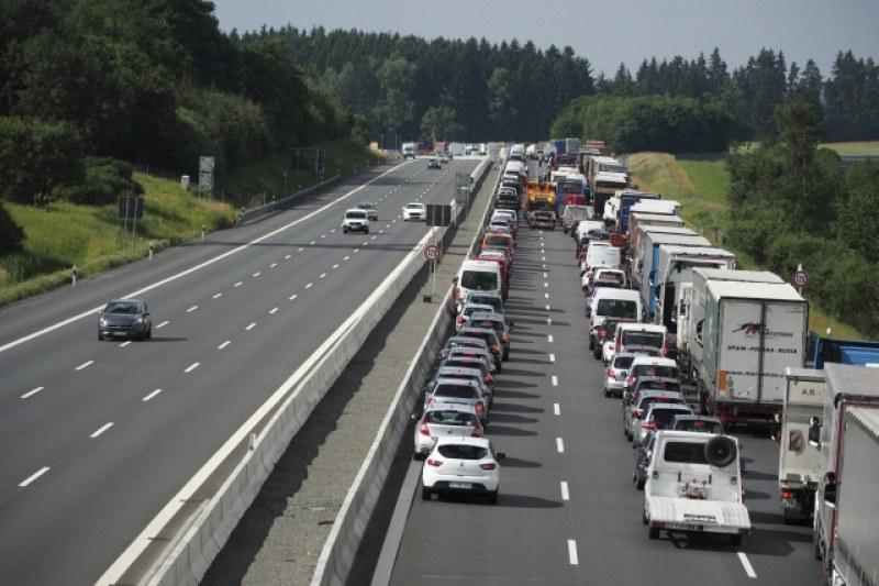 32 души са ранени при инцидент с автобус в Германия