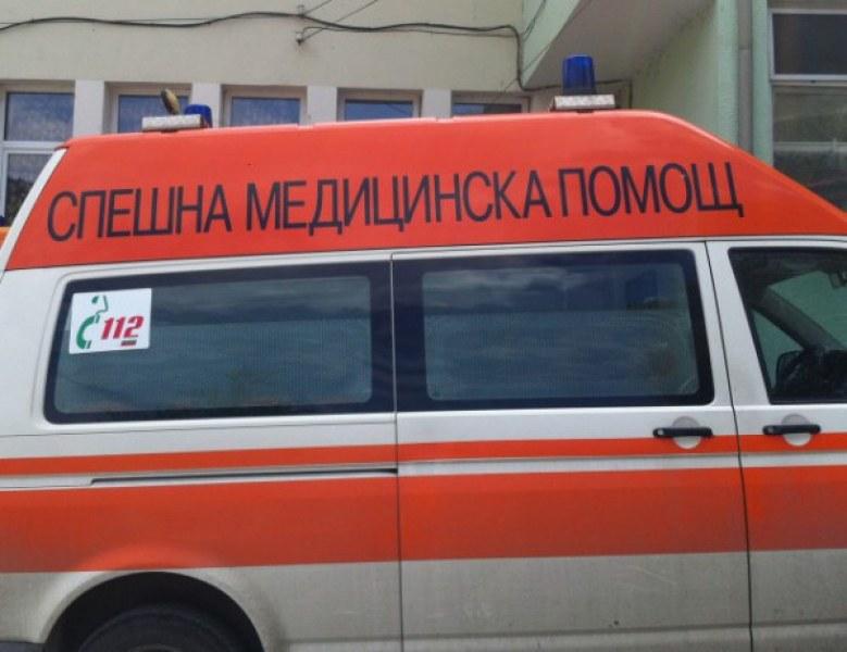 Наръганият в София 50-годишен мъж все още е с опасност за живота