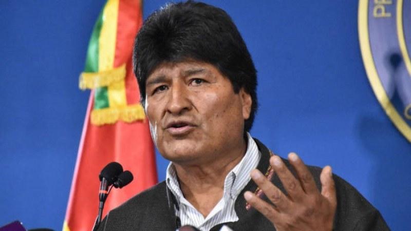 Моралес – мексиканец! Получил убежище, избягал с правителствен самолет