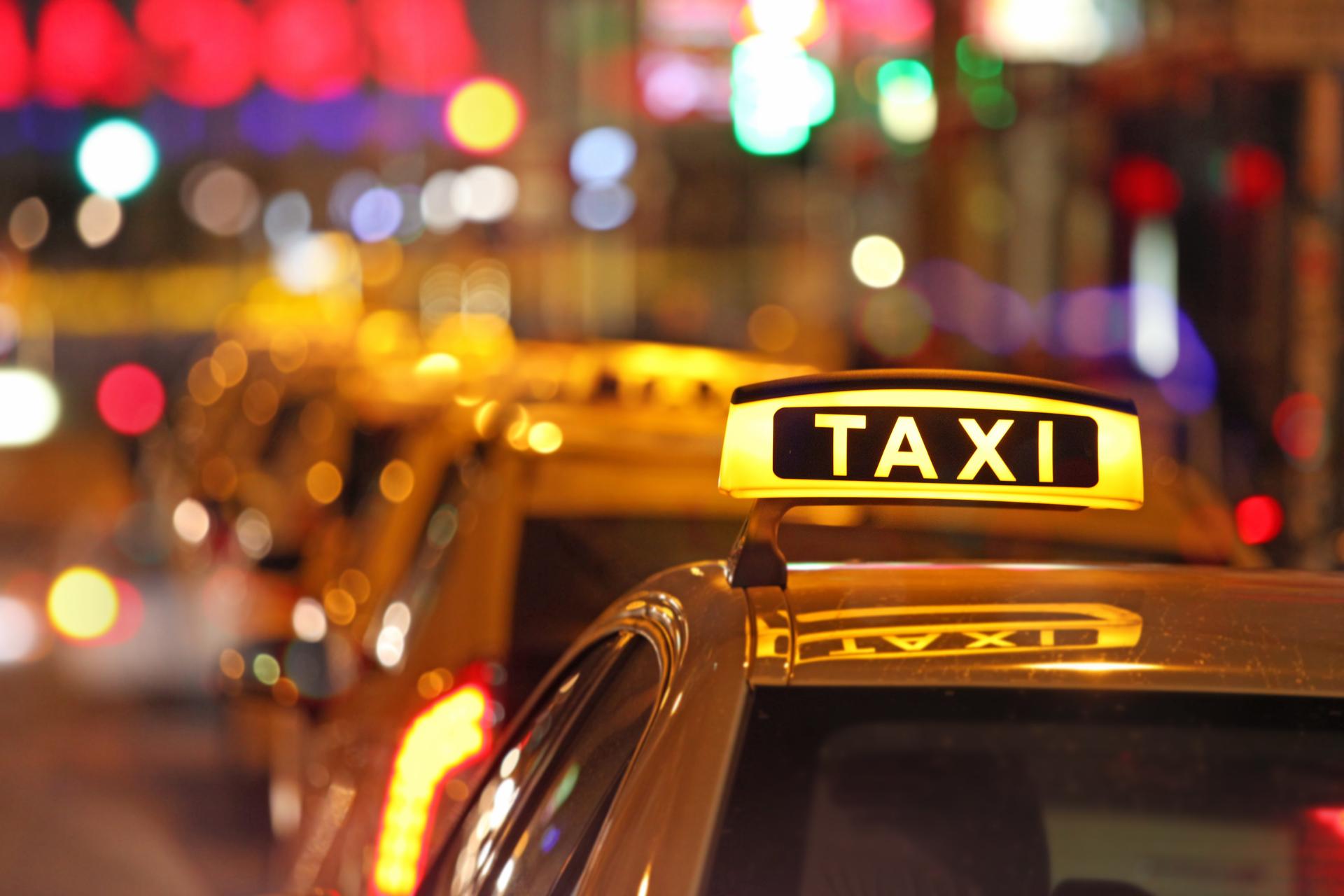 Тръгваш с такси, апаратът – не отчита! Таксиджията няма да върти