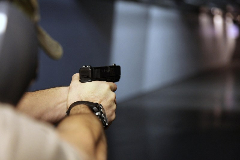 Безразборна стрелба в руски колеж. Студент уби колега, самоуби се!