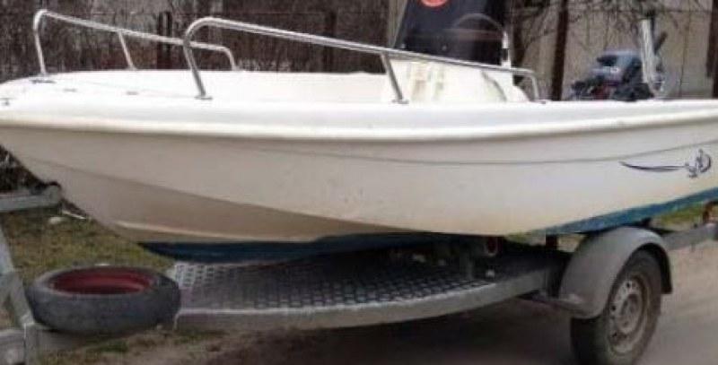 Двама тийнейджъри подпалиха лодка в Приморско, задържаха ги!