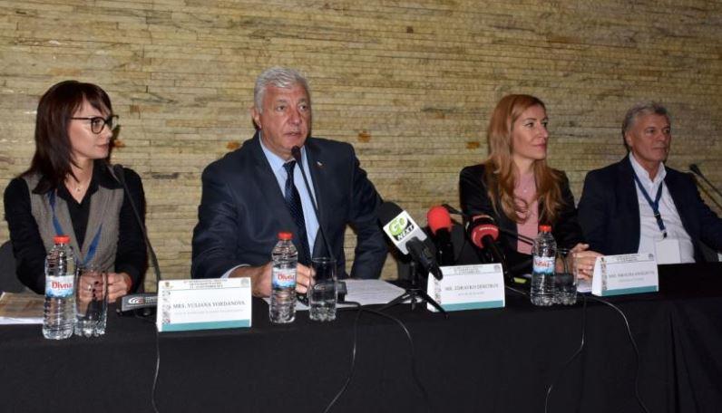 Министър Николина Ангелкова: Летище Пловдив е изключително важно!