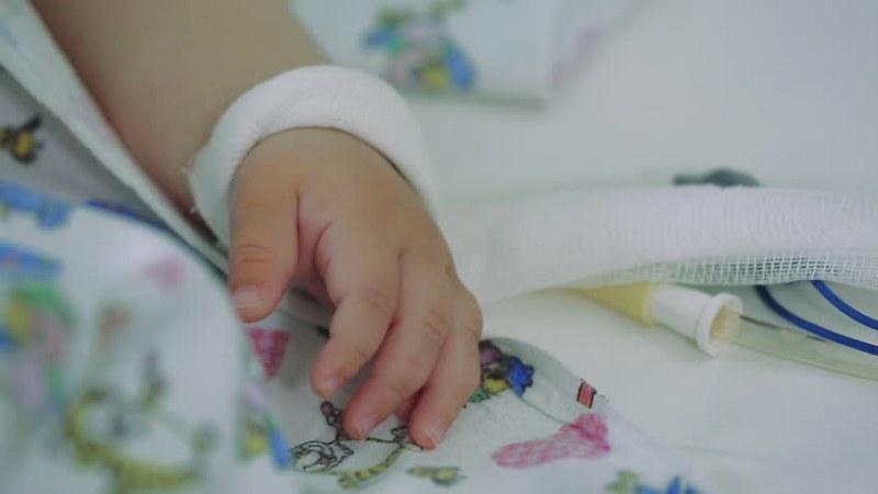 3-годишно детенце разтакавано из болниците в София…  издъхна!?