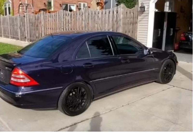 Уникален Mercedes-Benz продаден само за 1000 долара СНИМКИ