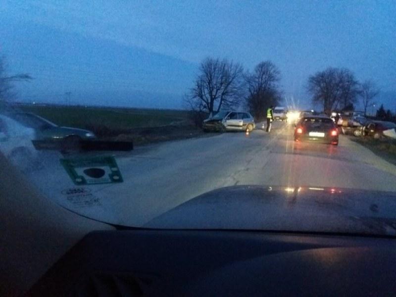 Три коли се удариха на пътя Пазарджик - Белово! Има ранена жена