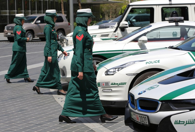Суперченгета със суперколи! Автопаркът на полицията в Дубай в СНИМКИ