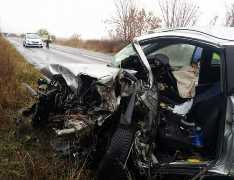 Кошмар на пътя! Двама загинаха при тежко ПТП на пътя Силистра – Русе