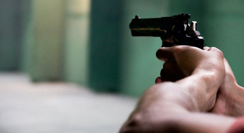 Задържаха мъж, стрелял в сръбско училище! Носил граната и експлозиви